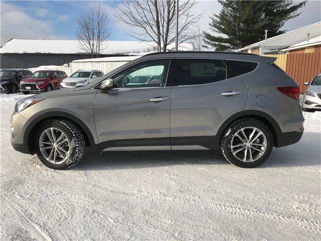 2017 Hyundai Santa Fe Sport 2.0T Ultimate (Stk: 17507) in Pembroke - Image 2 of 19