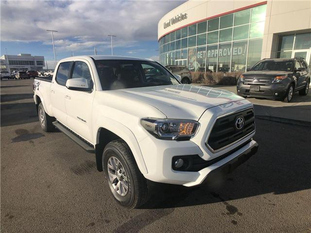 2017 Toyota Tacoma  (Stk: 2900198A) in Calgary - Image 2 of 15