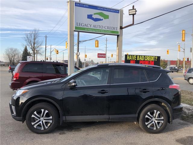 2017 Toyota RAV4 LE (Stk: L8824) in Waterloo - Image 1 of 17