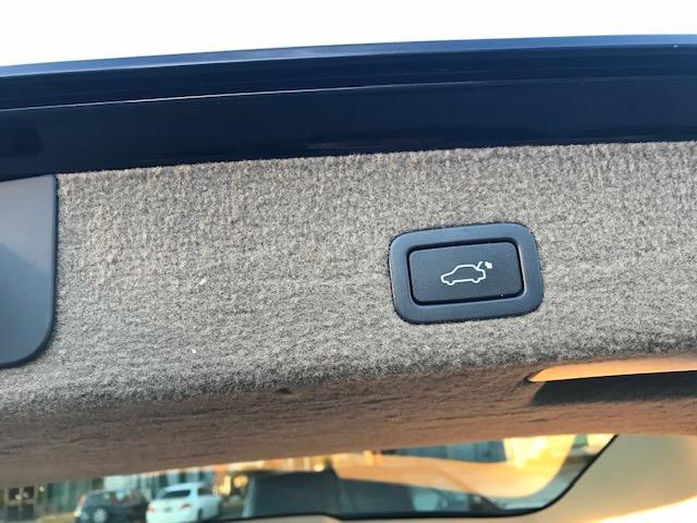 2010 Volvo XC70 3.2 Premium (Stk: 9371) in Etobicoke - Image 11 of 18