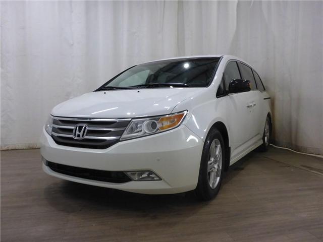2012 Honda Odyssey Touring (Stk: 18121245) in Calgary - Image 3 of 28