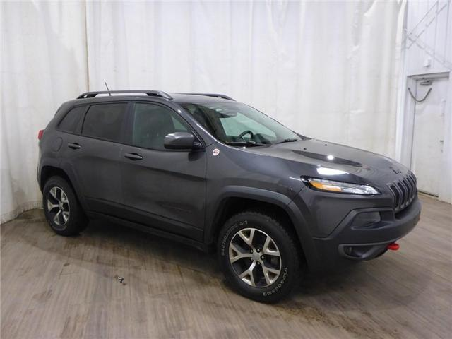 2015 Jeep Cherokee Trailhawk (Stk: 18121559) in Calgary - Image 1 of 30