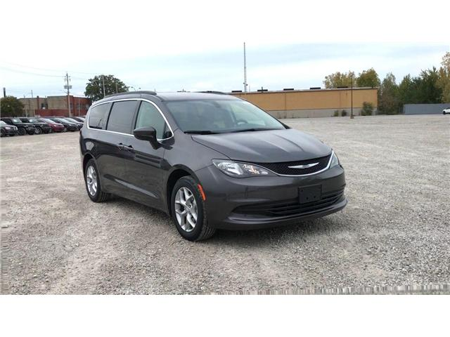 2019 Chrysler Pacifica Touring (Stk: 19362) in Windsor - Image 2 of 11