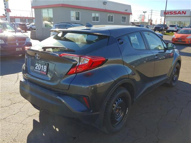 2018 Toyota C-HR XLE (Stk: P0054290) in Cambridge - Image 6 of 13