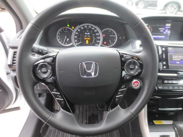 2016 Honda Accord Touring (Stk: M18203A) in Steinbach - Image 20 of 41