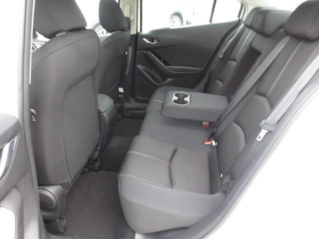 2018 Mazda Mazda3 GS (Stk: M18211) in Steinbach - Image 9 of 25
