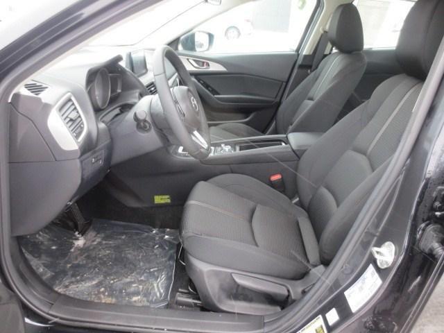 2018 Mazda Mazda3 GS (Stk: M18229) in Steinbach - Image 11 of 24