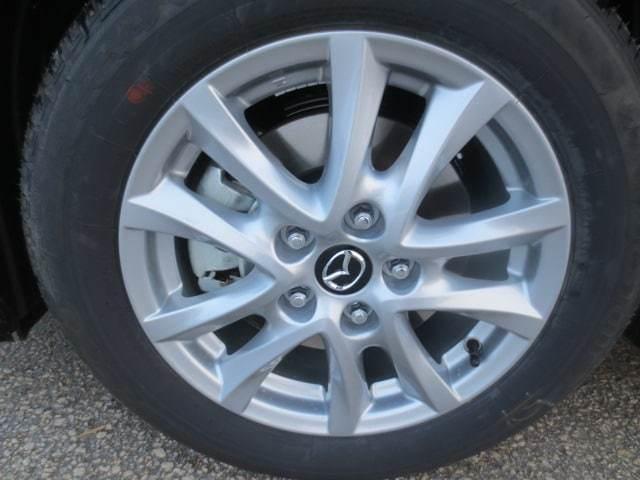 2018 Mazda Mazda3 GS (Stk: M18234) in Steinbach - Image 7 of 25