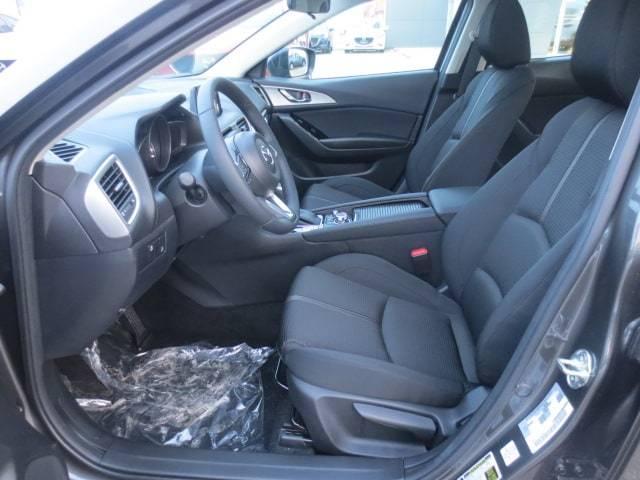 2018 Mazda Mazda3 GS (Stk: M18234) in Steinbach - Image 10 of 25