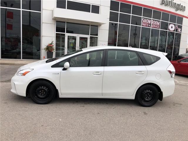 2014 Toyota Prius v Base (Stk: U10511) in Burlington - Image 2 of 17