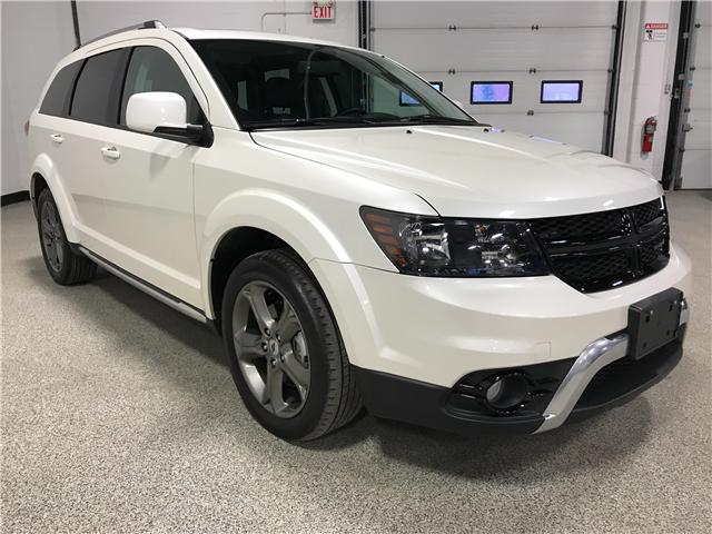 2018 Dodge Journey Crossroad (Stk: P11901) in Calgary - Image 3 of 18