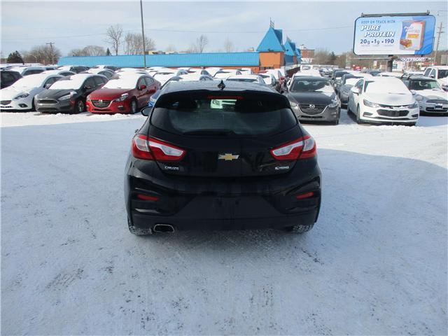 2018 Chevrolet Cruze Premier Auto (Stk: 182097) in Kingston - Image 4 of 12