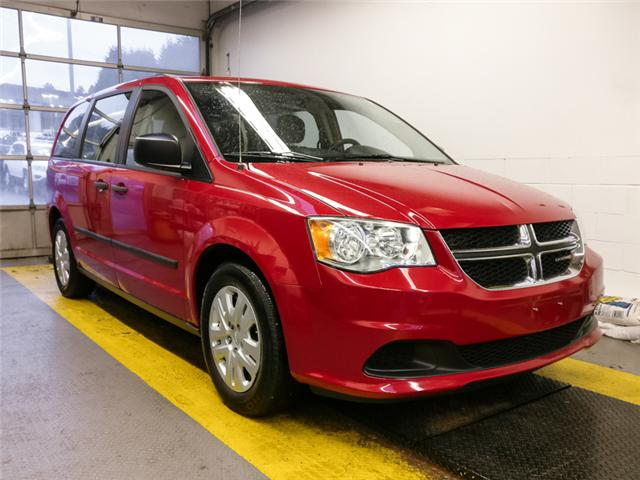 2014 Dodge Grand Caravan SE/SXT (Stk: M498031) in Burnaby - Image 2 of 23