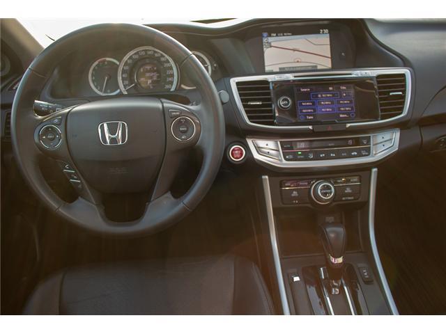 2015 Honda Accord Touring V6 (Stk: J374907A) in Surrey - Image 11 of 25
