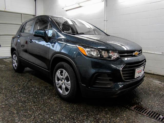 2019 Chevrolet Trax LS (Stk: T9-85210) in Burnaby - Image 2 of 12