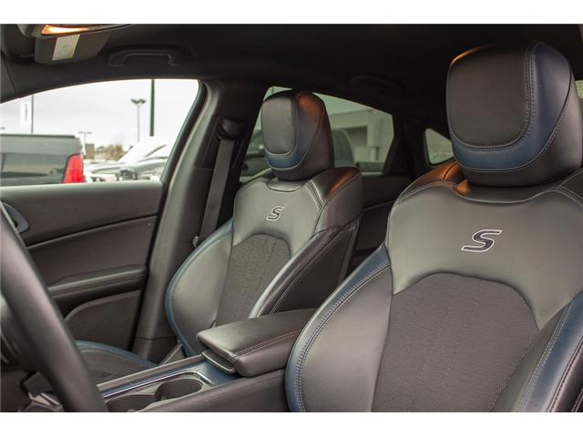 2016 Chrysler 200 S (Stk: J235479A) in Surrey - Image 9 of 28