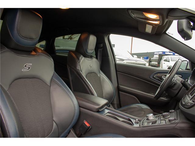 2016 Chrysler 200 S (Stk: J235479A) in Surrey - Image 17 of 28