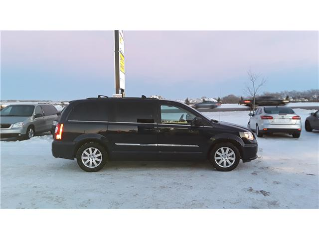 2014 Chrysler Town & Country Touring (Stk: P378) in Brandon - Image 5 of 12