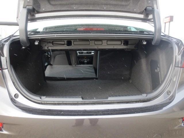 2018 Mazda Mazda3 GS (Stk: M18226) in Steinbach - Image 8 of 27
