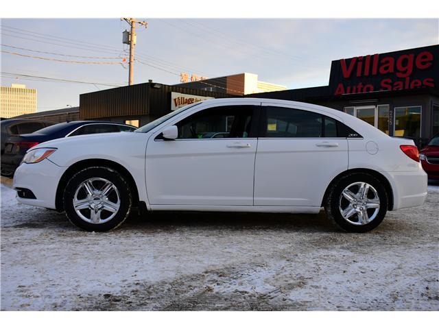 2013 Chrysler 200 Touring (Stk: P35881) in Saskatoon - Image 2 of 19