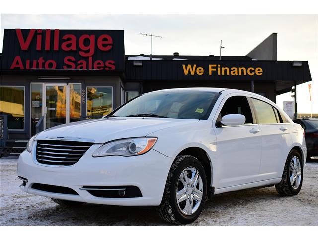 2013 Chrysler 200 Touring (Stk: P35881) in Saskatoon - Image 1 of 19