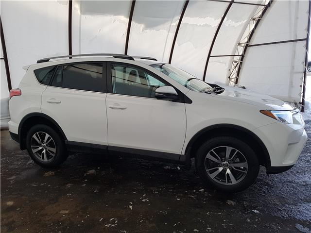 2018 Toyota RAV4  (Stk: 98301R) in Thunder Bay - Image 2 of 18