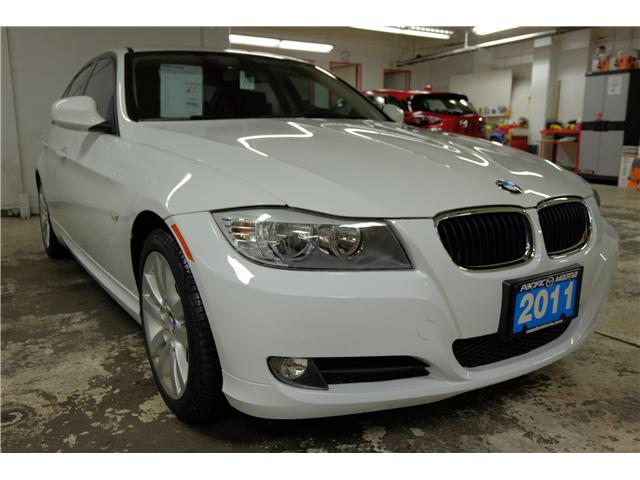 2011 BMW 323i  (Stk: 417262A) in Victoria - Image 1 of 20