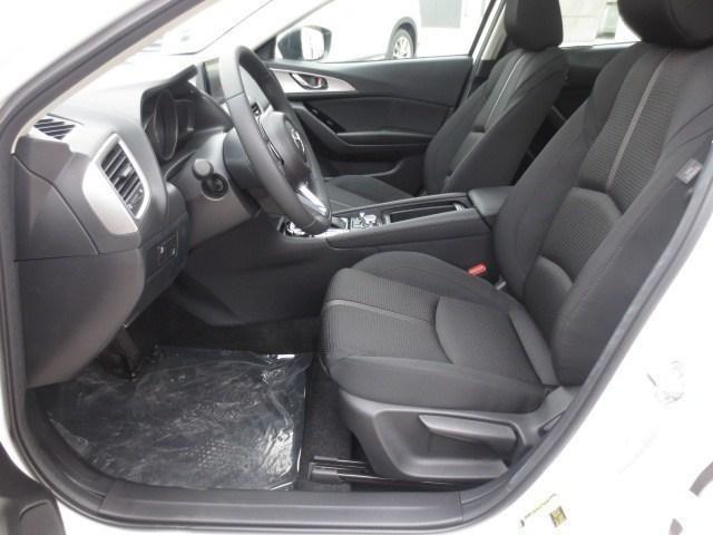2018 Mazda Mazda3 GS (Stk: M18211) in Steinbach - Image 11 of 25