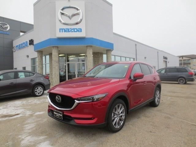 2019 Mazda CX-5 Signature (Stk: M19011) in Steinbach - Image 1 of 44