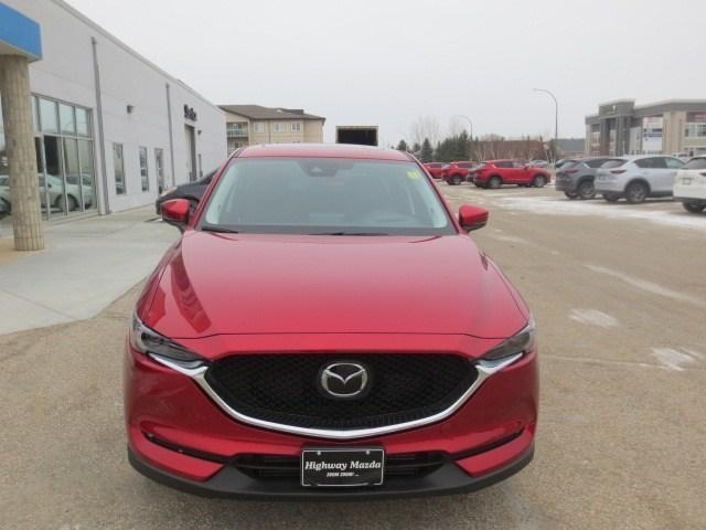 2019 Mazda CX-5 Signature (Stk: M19011) in Steinbach - Image 2 of 44