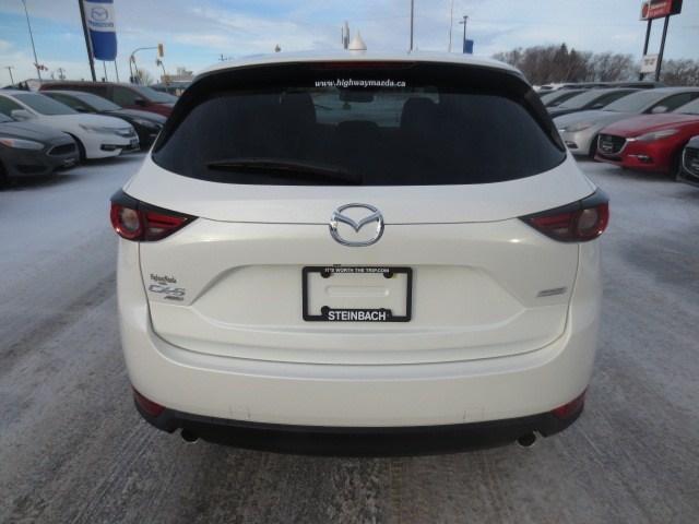 2019 Mazda CX-5 Signature (Stk: M19034) in Steinbach - Image 5 of 39