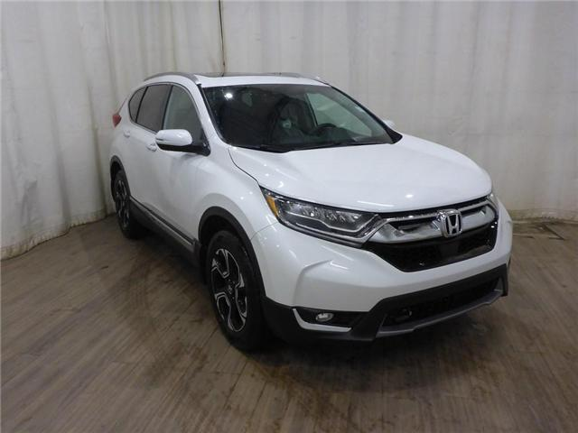 2019 Honda CR-V Touring (Stk: 1950063) in Calgary - Image 1 of 28