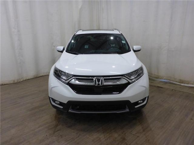 2019 Honda CR-V Touring (Stk: 1950063) in Calgary - Image 2 of 28