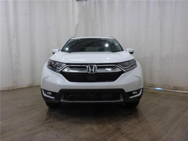 2019 Honda CR-V Touring (Stk: 1950056) in Calgary - Image 2 of 28
