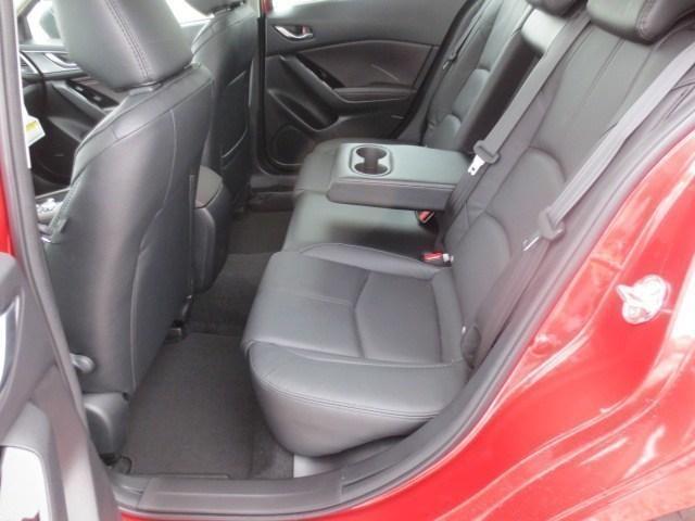 2018 Mazda Mazda3 GT (Stk: M18228) in Steinbach - Image 13 of 33