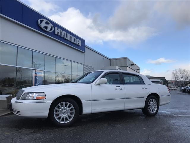 2006 Lincoln Town Car Signature (Stk: H83-5507A) in Chilliwack - Image 1 of 12