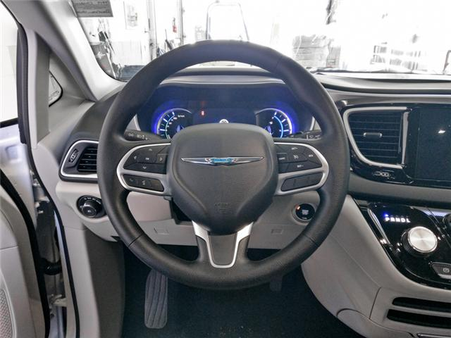 2019 Chrysler Pacifica Hybrid Touring Plus (Stk: W511060) in Burnaby - Image 5 of 11