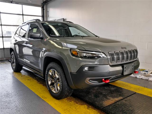 2019 Jeep Cherokee Trailhawk (Stk: K495690) in Burnaby - Image 2 of 11