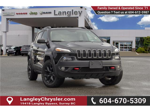 2017 Jeep Cherokee Trailhawk (Stk: EE900350) in Surrey - Image 1 of 28