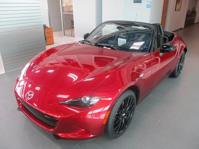 2018 Mazda MX-5 GX (Stk: 1608) in Ottawa - Image 1 of 10