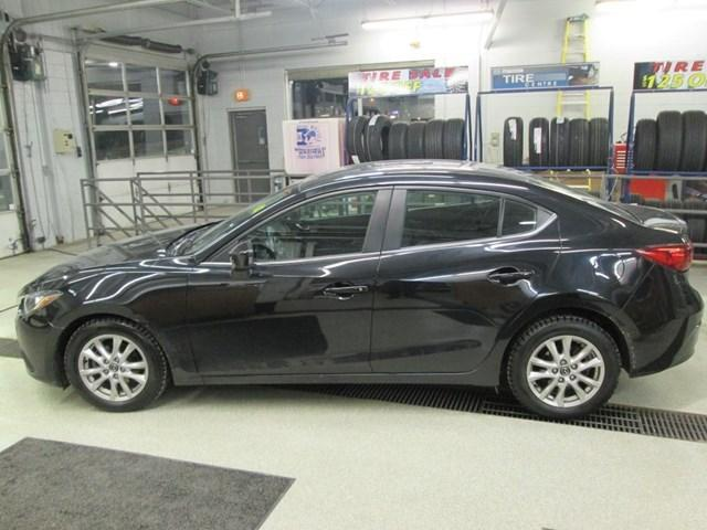 2015 Mazda Mazda3 GS (Stk: 191432) in Gloucester - Image 2 of 15
