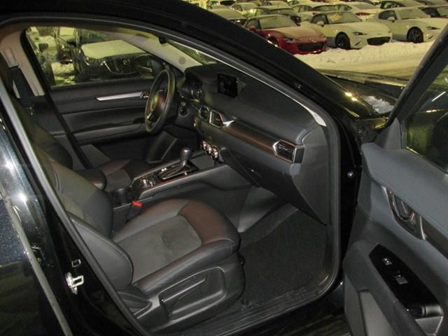 2017 Mazda CX-5 GS (Stk: M2571) in Gloucester - Image 17 of 20