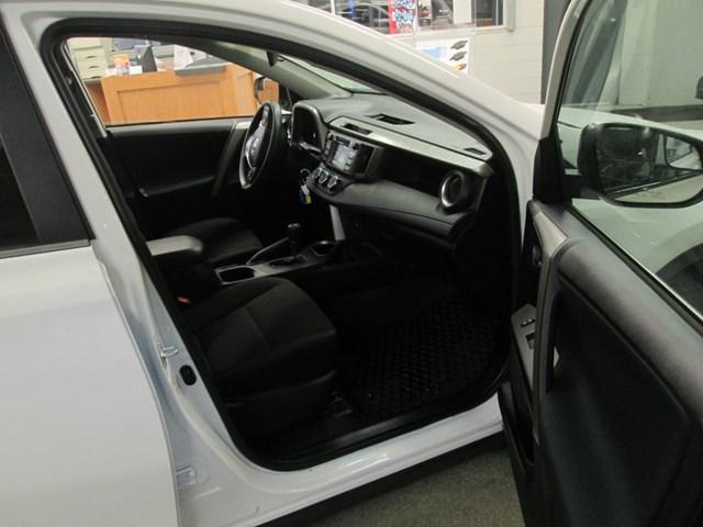 2018 Toyota RAV4 Limited (Stk: M2562) in Gloucester - Image 17 of 20