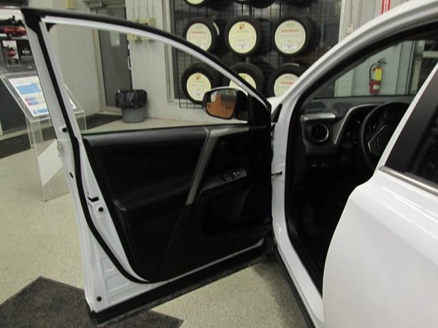 2018 Toyota RAV4 Limited (Stk: M2562) in Gloucester - Image 18 of 20