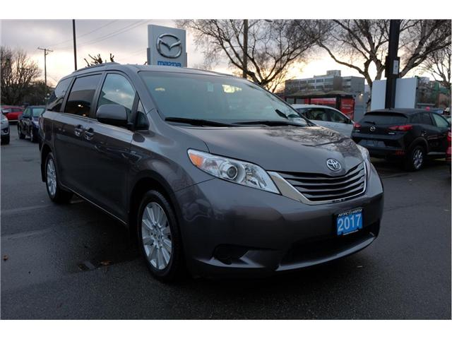 2017 Toyota Sienna LE 7 Passenger (Stk: 7824A) in Victoria - Image 1 of 20