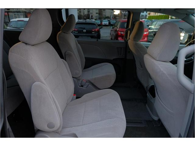 2017 Toyota Sienna LE 7 Passenger (Stk: 7824A) in Victoria - Image 17 of 20