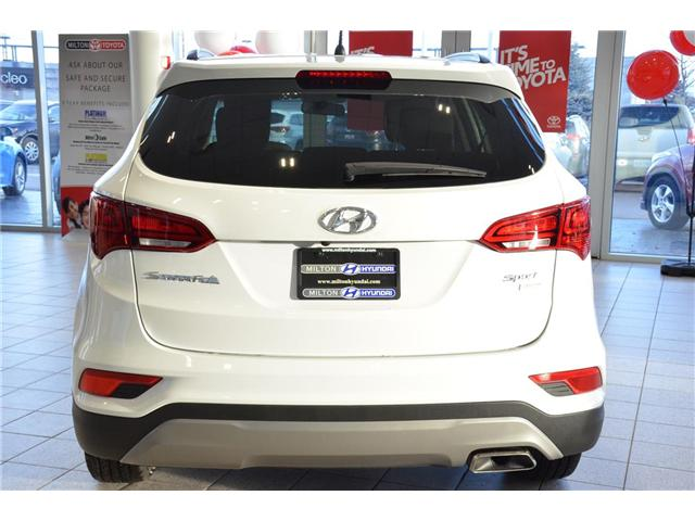 2018 Hyundai Santa Fe Sport 2.4 Base (Stk: 520352) in Milton - Image 30 of 35