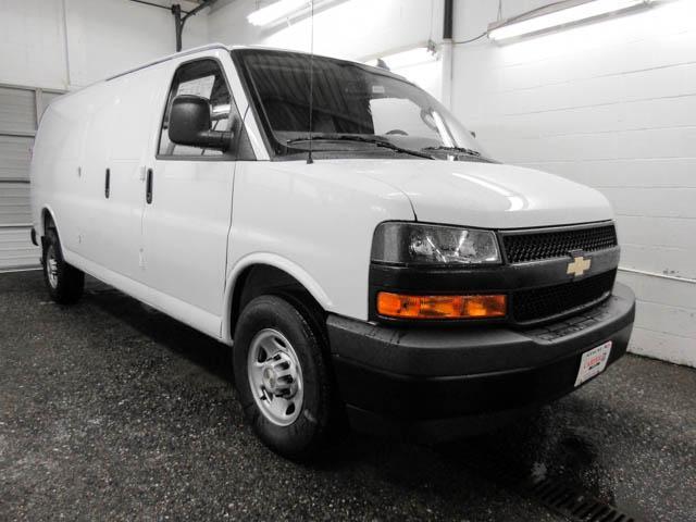 2018 Chevrolet Express 3500 Work Van (Stk: N8-79940) in Burnaby - Image 2 of 15
