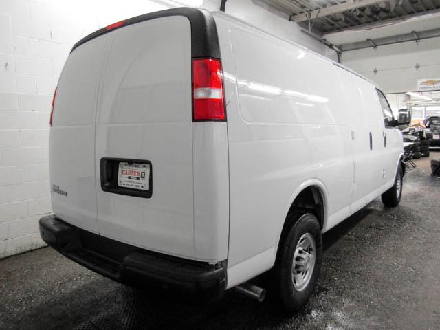 2018 Chevrolet Express 3500 Work Van (Stk: N8-79940) in Burnaby - Image 3 of 15