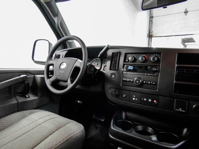 2018 Chevrolet Express 3500 Work Van (Stk: N8-79940) in Burnaby - Image 4 of 15